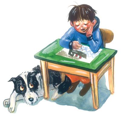 Junge sitzt am Schreibtisch und malt ein Bild, Hund schaut zu