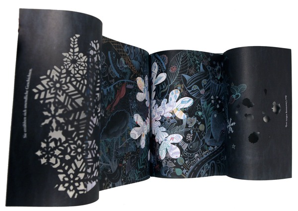 Ausklappbare Mittelseite zeigt Tropfen, Blätter und Katze