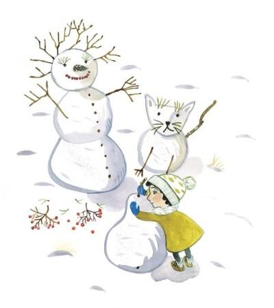 Mädchen baut Schneemann und andere Schneefiguren